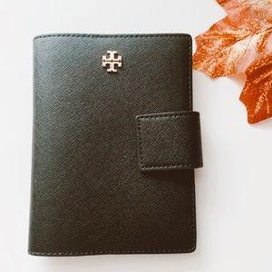 Tory Burch Emerson passport wallet